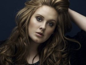 TAKE INSPIRATION FROM ADELE'S BEST HAIRSTYLES