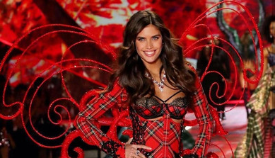 What Hairstyles Were Outstanding At The Victoria's Secret Fashion Show 2018 1